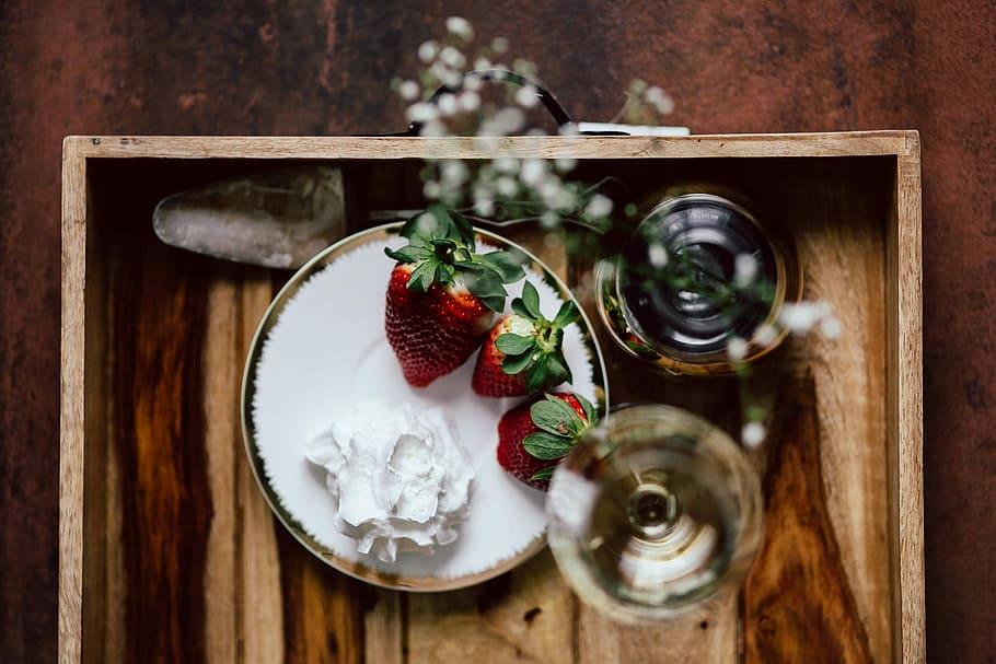 Fruit en ijs dessert